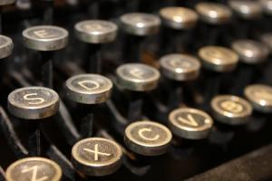 typewriter-1386501-m